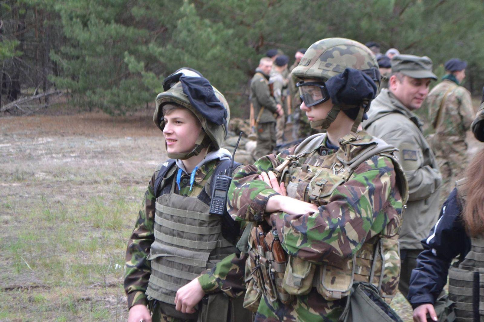 Русские солдаты ебут террористку