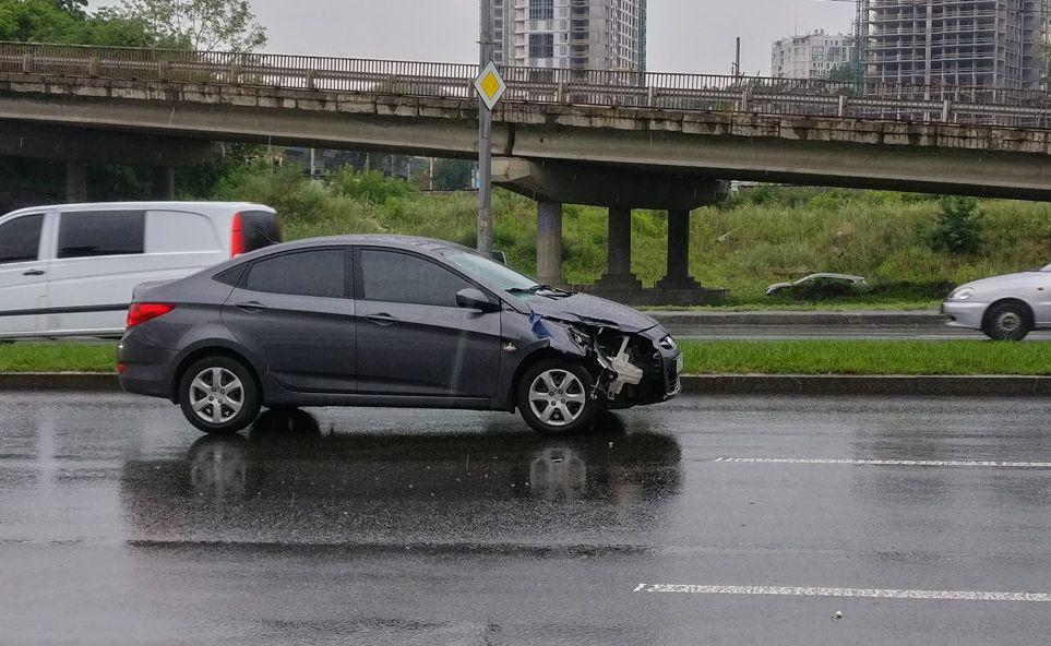 Hyundai Accent насмерть сбил женщину. Фото: kiev.informator.ua