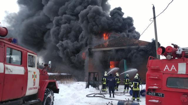 УСлов'янську горить склад паливно-мастильних матеріалів