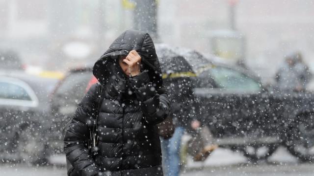 Снігопади, дощі тасильний вітер: вУкраїні оголосили штормове попередження