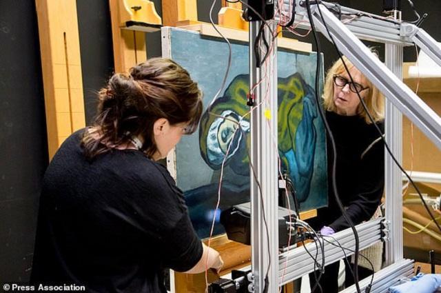 Под известным шедевром Пикассо отыскали еще одну картину