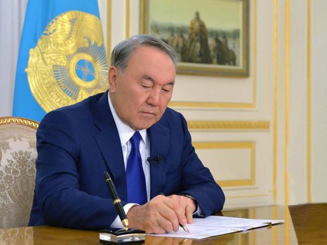 УКазахстані затвердили новий алфавіт наоснові латиниці