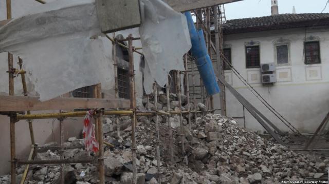 Силовики затримали вКриму татарку, яка вийшла наодиночний пікет