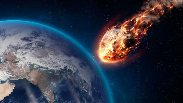 Над Уралом пролетел крупный метеорит