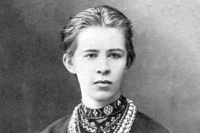 УКиєві вкрали бюст Лесі Українки зфасаду музею