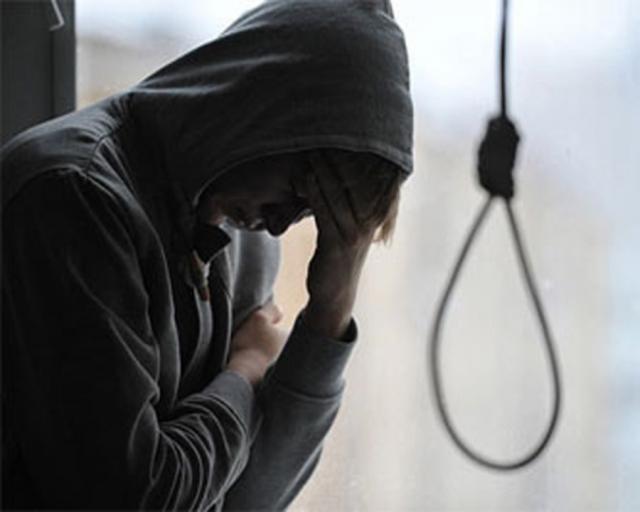 Порошенко підписав закон про кримінальну відповідальність задоведення досуїциду