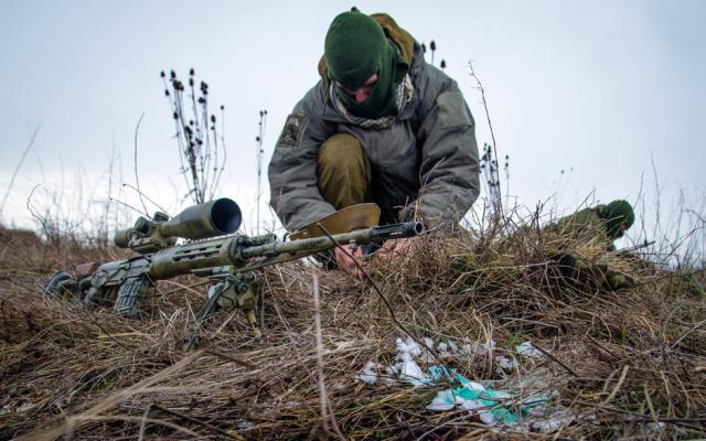 Жебривский: Натерриторию Донбасса отправили около 100 русских снайперов