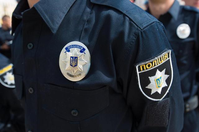УКиєві чоловік кинув вибухівку уполіцейських