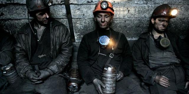 Гірники 2-х шахт наЛуганщині кілька годин були заблоковані під землею