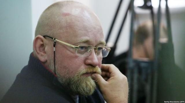 Суд отказал Савченко иоставил Рубана зарешеткой