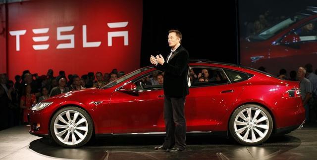 Tesla упростила использование автопилота вэлектрокаре Model 3