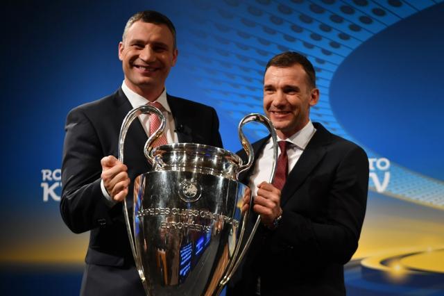 Виталий Кличко побоксировал укубка Лиги чемпионов
