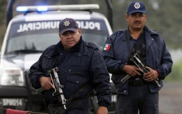 Нападение наконвой вМексике: погибли 6 правоохранителей