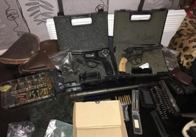 Правоохоронці викрили канал нелегального постачання зброї з Європи таСША доУкраїни