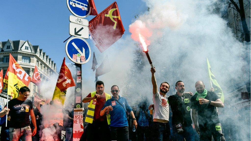 Встолице франции наакции против перемен Макрона произошли столкновения