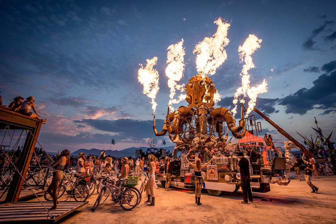Burning man фестиваль Невада фото