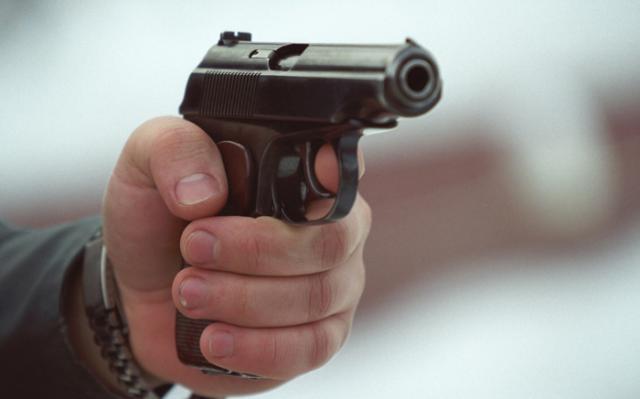 Назупинці громадського транспорту вОбухові ветеран АТО стріляв знагородної зброї