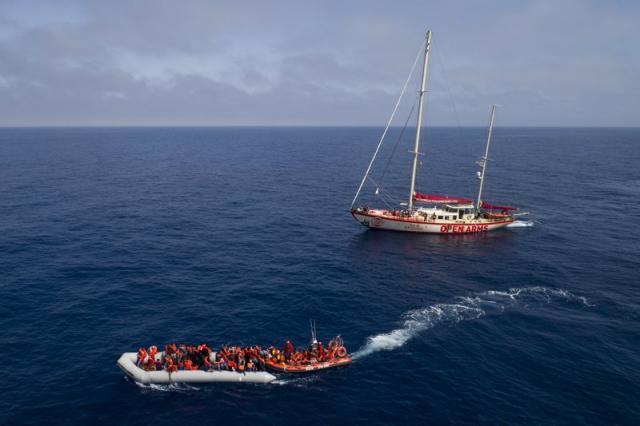Береговая охрана Ливии спасла около 100 мигрантов вСредиземном море
