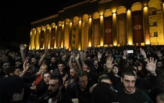 Cпецоперация вночных клубах Тбилиси— задержаны восемь человек, мобилизована милиция