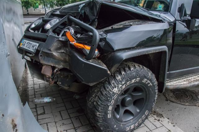 Дети и супруга  остались вмашине: шофёр  убежал  после ДТП