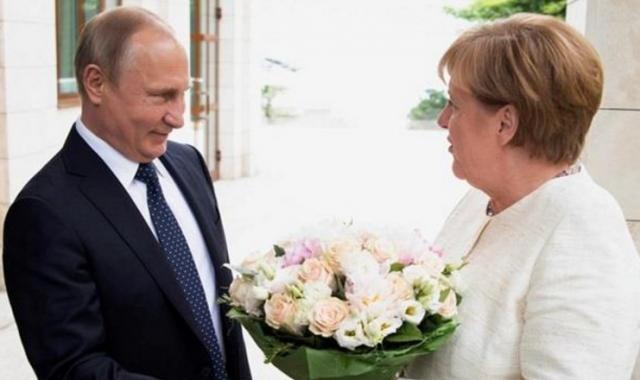 Путін образив Меркель букетом— Bild