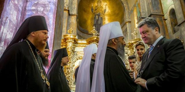 Порошенко призвал молиться для получения Томоса поавтокефалии УПЦ
