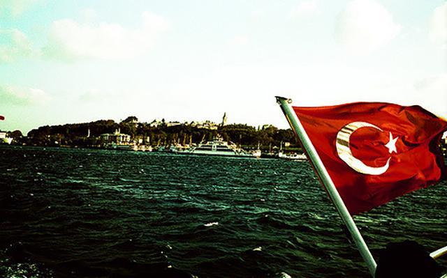 Эрдоган призвал жителей менять золото и доллары на подешевевшую турецкую лиру