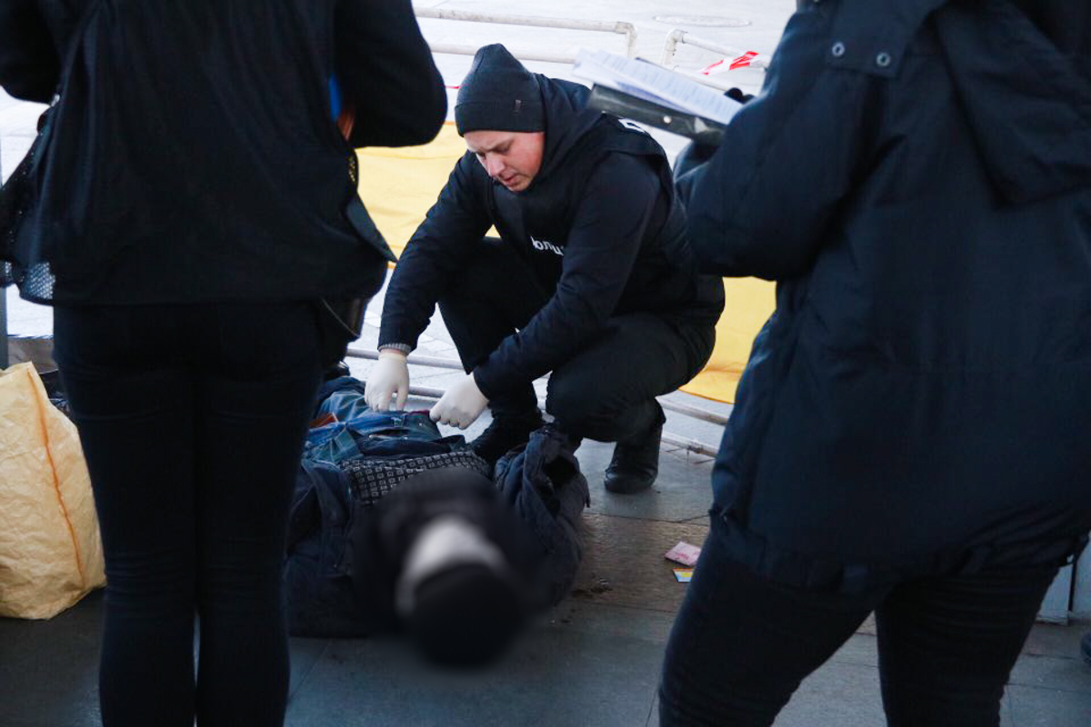 На Галицькому вокзалі виявили тіло молодого чоловіка. Слідство встановлює причину смерті