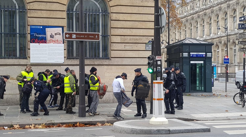 """Новая волна акции протеста """"желтых жилетов"""" в Париже. Фото: Twitter"""