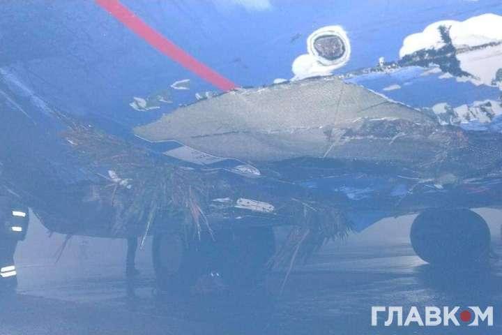 Повреждения самолета, потерпевшего крушение