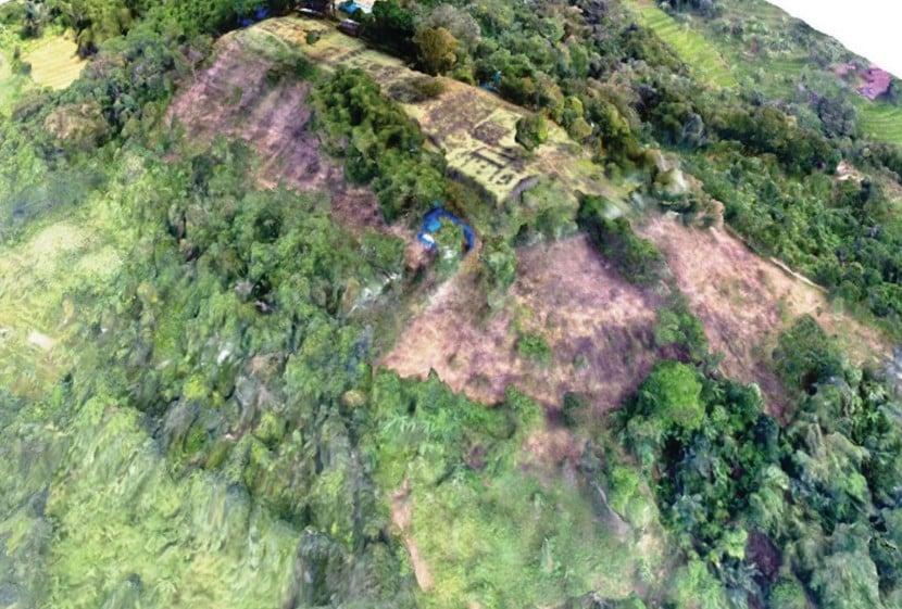 На острові Ява знайшли піраміду. Фото: naked-science.ru