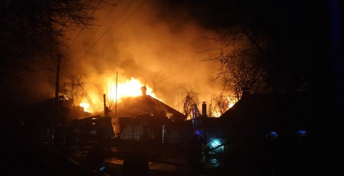 В приватному секторі Києва горіли будинки