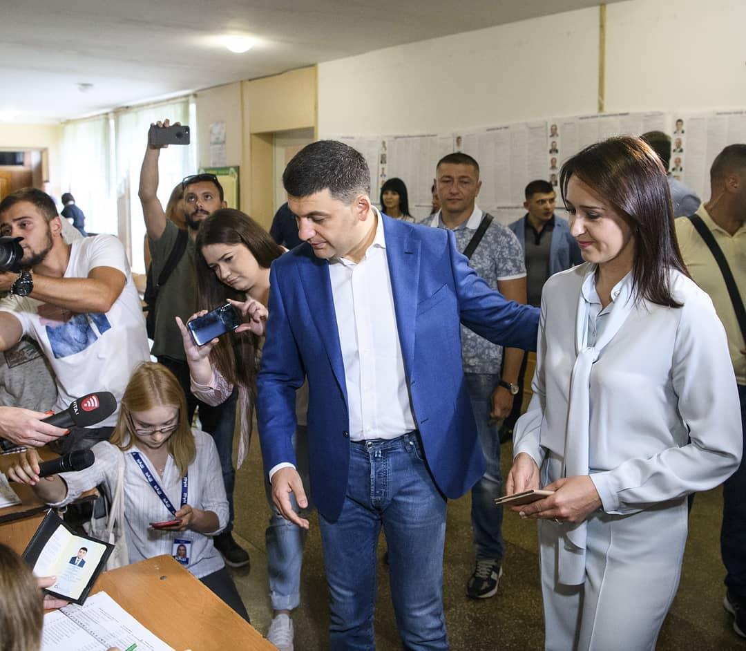 Гройсман проголосовал в Виннице. Фото: страница Владимира Гройсмана в Instagram