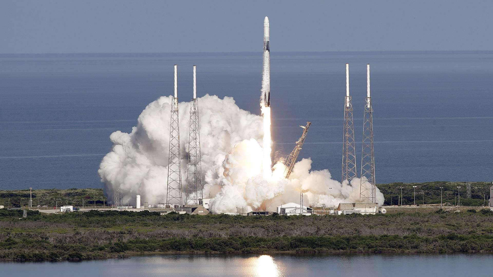 spacex launches rocket - HD1920×1080