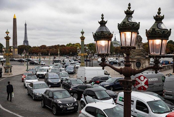 У Парижі зупинилося метро: що сталося. Фото: EPA/UPG