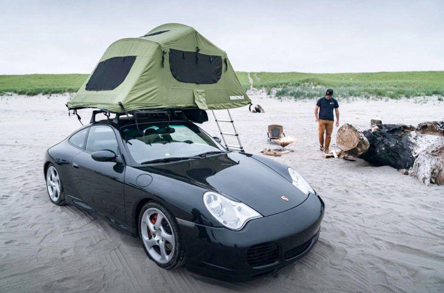 Спорткар Porsche 911 превратили в дом на колесах. Фото: 996roadtrip в Instagram