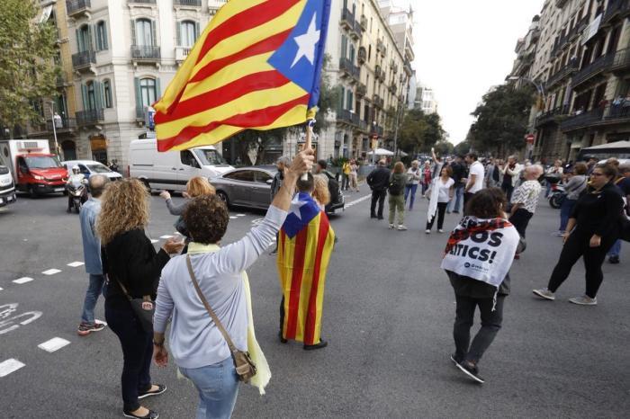 Протесты в Барселоне после тюремного заключения каталонских лидеров