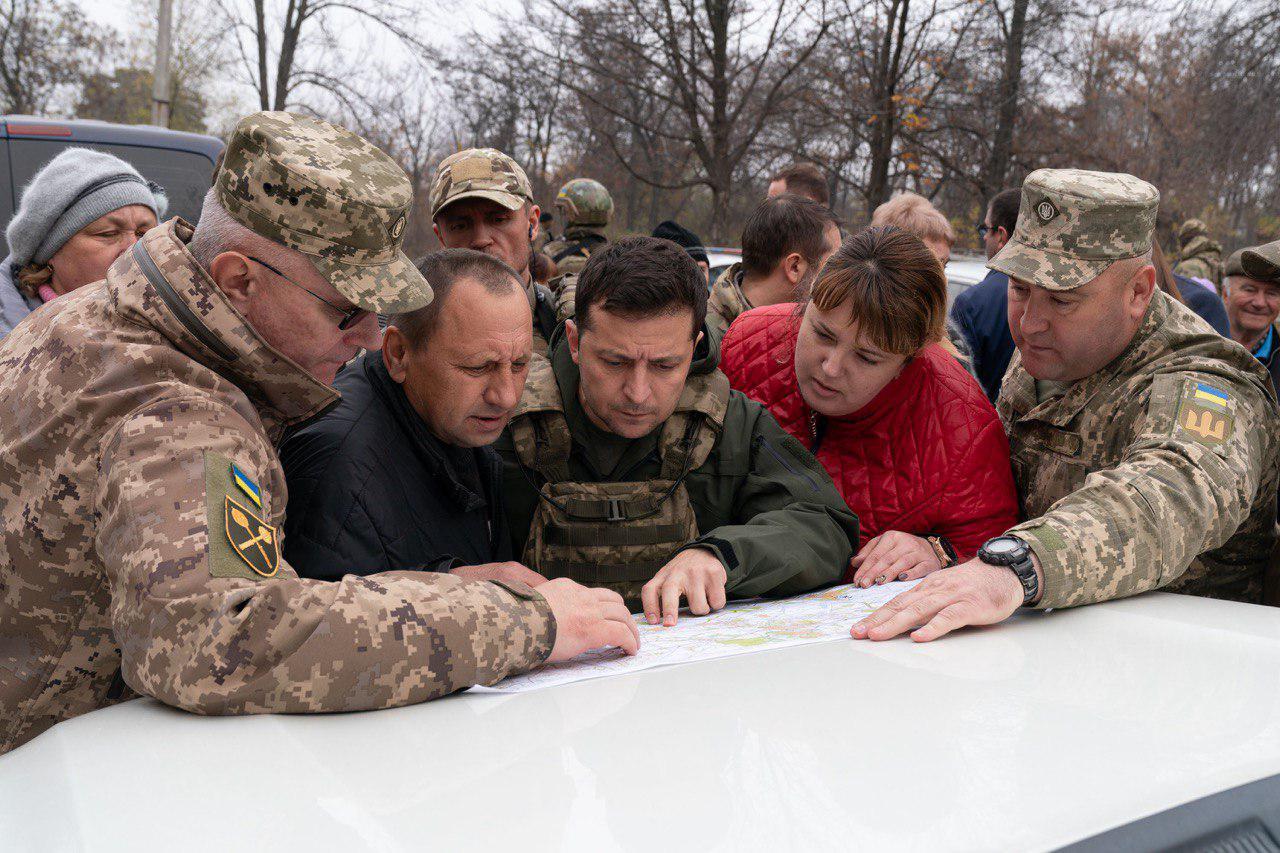 Конфликт Зеленского в Золотом: президент назвал ветеранов группой вооруженных людей, фото – ОП