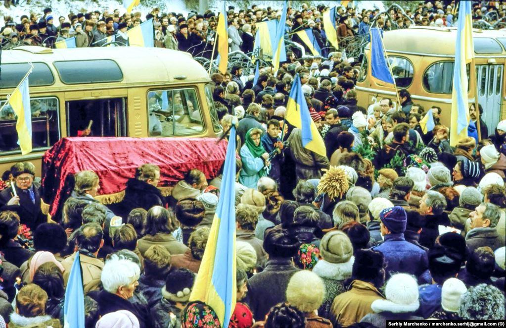 Перезахоронение Стуса, Литвина и Тихого. Фото: Радио Свобода