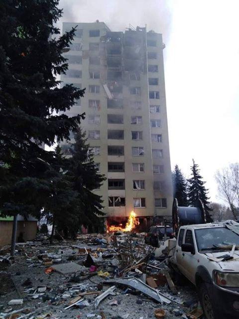 У Словаччині вибухнув 13-поверховий будинок. Фото: «Картковий будинок» у Telegram