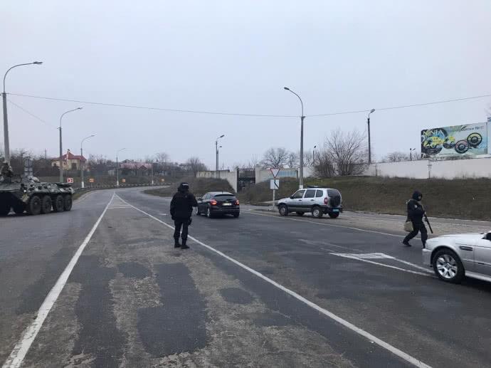 Дело Гандзюк: силовики проводят 30 обысков в ходе спецоперации в Херсонской области, фото — Офис генпрокурора
