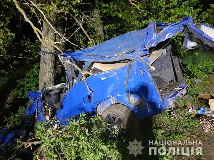 У ДТП на Вінниччині загинули троє військовослужбовців. Фото: Нацполіція