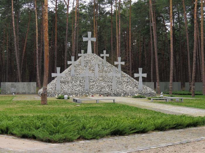 Братская могила в заповеднике «Быковнянские могилы», фото: Аимаина Хикари
