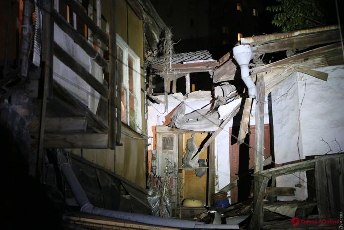 В Одесі обвалилася частина ще одного аварійного житлового будинку. Фото: Думська