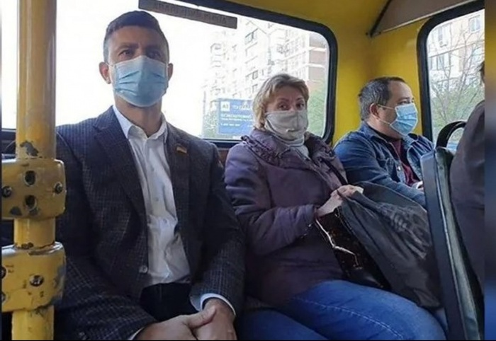Нардеп Микола Тищенко їздить у маршрутках «зайцем». Фото: Главком