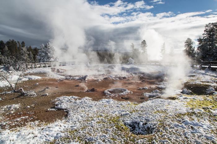 Гейзеры в Йеллоустоуне, фото: Yellowstone National Park