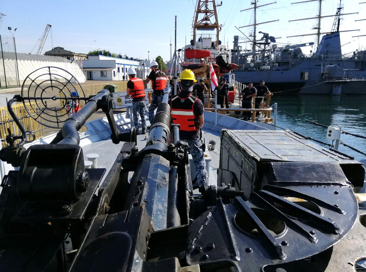 Отработка стрельбы в Черном море. Фото: Армия-Inform