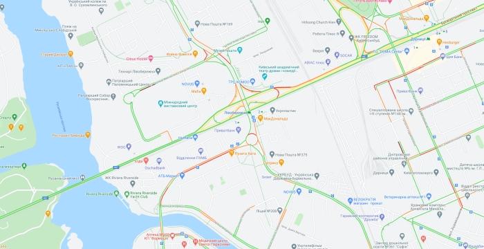 Дорожные заторы в районе станции метро «Левобережная» в Киеве, инфографика: Google Maps