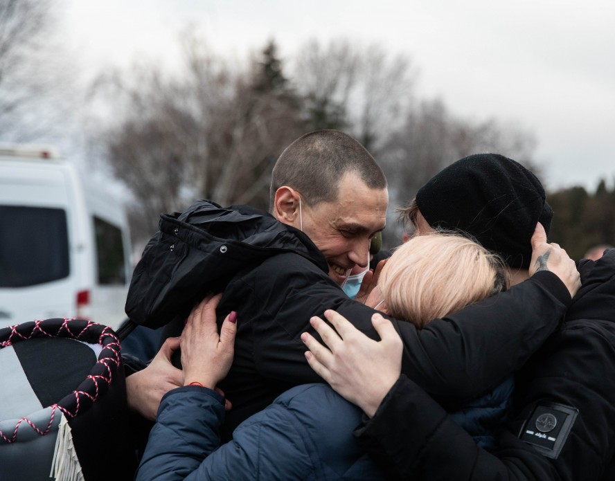 Возвращение украинских моряков. Фото: пресс-служба ОП
