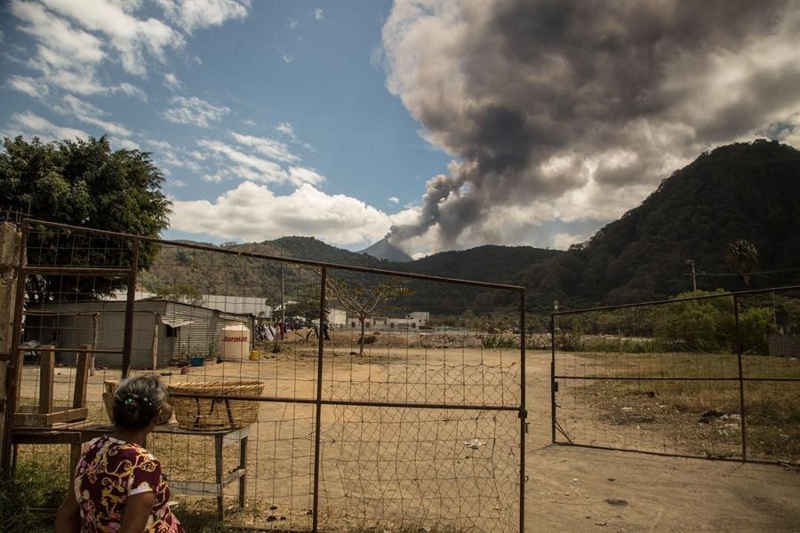 Виверження вулкана. Фото: Twitter